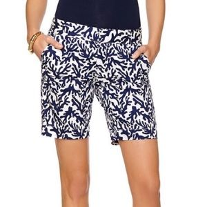 Lilly Pulitzer The Chipper Short Navy Treasure